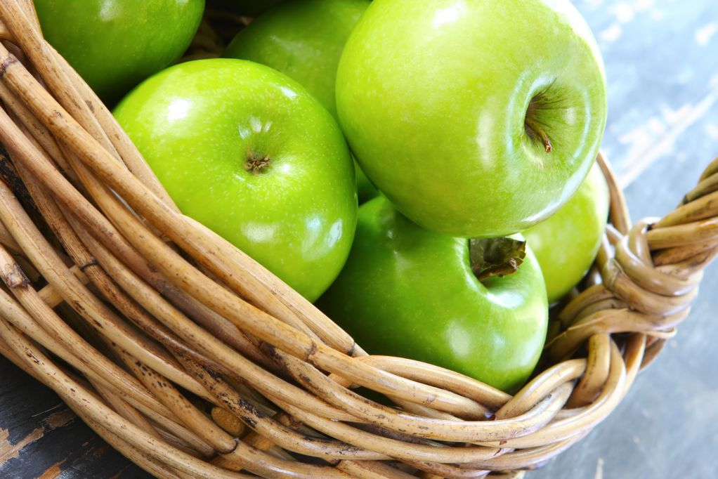 Apple Granny Smith protects against obesity and helps control appetite also eliminates body fat