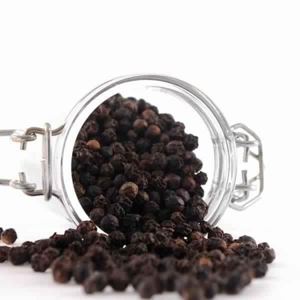 poivre-noir-entier-liste-dix-herbes-et-epices-aident-la-perte-de-poids
