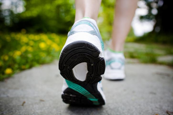 Les bénéfices de 30 minutes de marche par jour